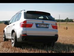 TEST: BMW X5 4,8i - zad