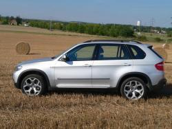 TEST: BMW X5 4,8i - bok