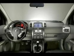 Nissan X-Trail 2.0 dCi - interiér