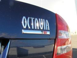 Škoda Octavia 1.8 TSI - zad