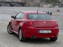 Alfa Romeo GT 1.8 TS - bokozad