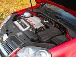 Volkswagen Golf R32 - motor