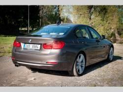 BMW 328i (2012) zadek