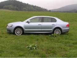 Škoda Superb 2.0 TDI (2013) - bok