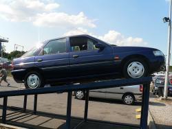 AUTOSERVIS: Ford Escort 1.6i - karoserie