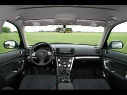 Subaru Outback 2.0D - int