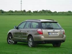 Subaru Outback 2.0D - zad