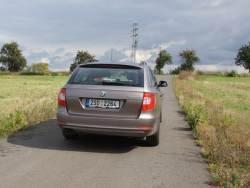 Škoda Superb Combi - zad