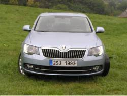 Škoda Superb 2.0 TDI (2013) - prid
